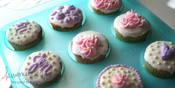 cupcakes1-082307.jpg